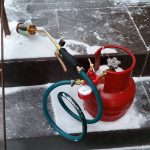 Не идет дым в трубе? Или как зажечь печку в холодное время года.