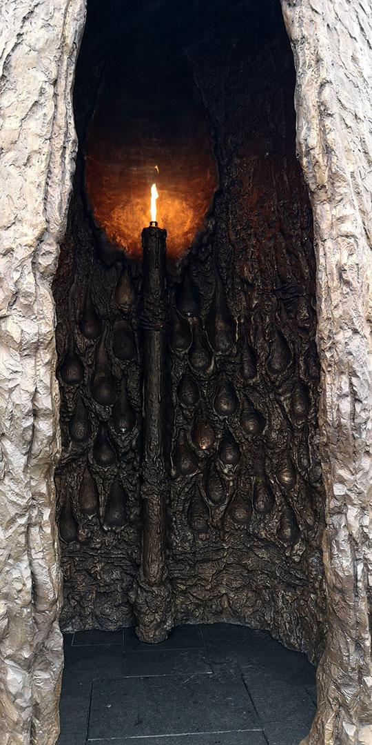 монумент, главный храм, огонь