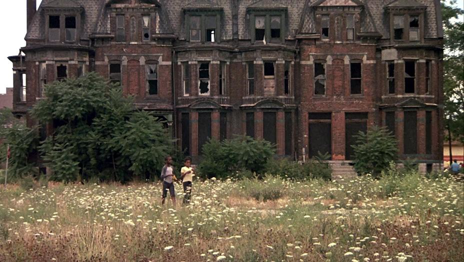 детройт, поле, разруха, 1984