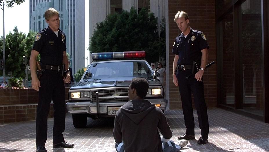 шевроле, полиция, белые копы, негр преступник